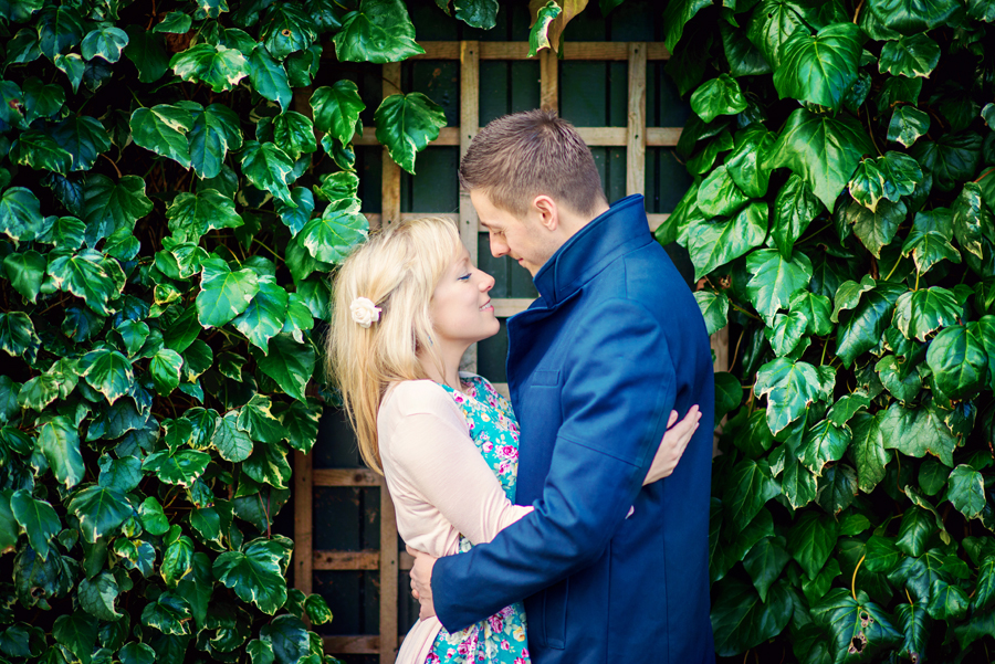 Primrose-Hill-Park-London-Wedding-Photographer-Richard-and-Sophie-Engagement-Session-Photography-By-Vicki002