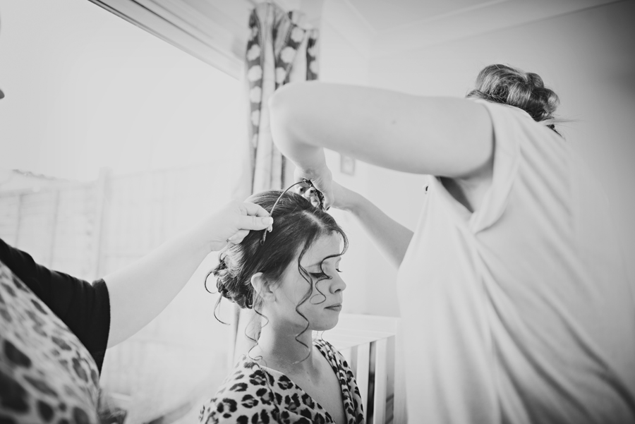 Bartholowmew-Barns-West-Sussex-Wedding-Photographer-Justin-and-Natalie-Photography-By-Vicki011