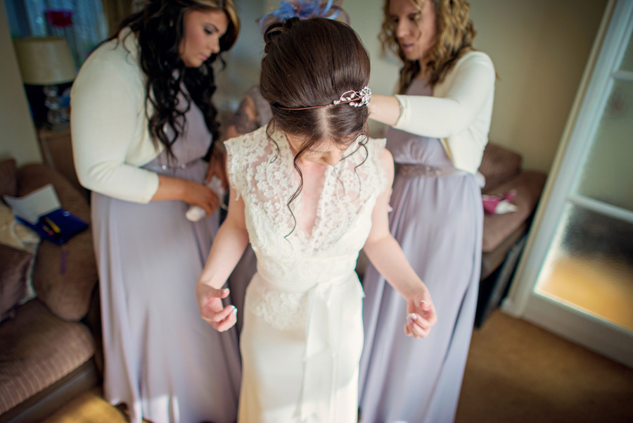 Bartholowmew-Barns-West-Sussex-Wedding-Photographer-Justin-and-Natalie-Photography-By-Vicki017