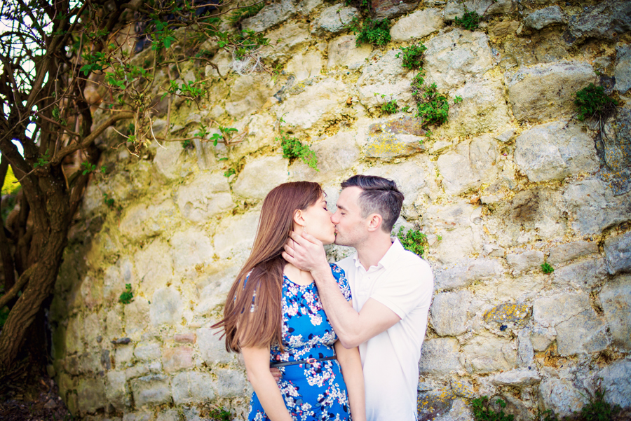 Hadleigh-Castle-Essex-London-Wedding-Photographer-Engagement-Session-Peter-and-Sarah-Photography-by-Vicki018