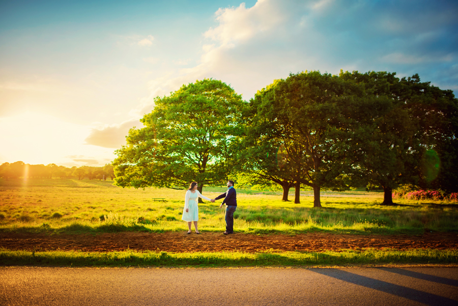 Richmond-Park-London-Wedding-Photographer-Benjamin-and-Sarah-Sunset-Engagement-Session-Photography-By-Vicki014