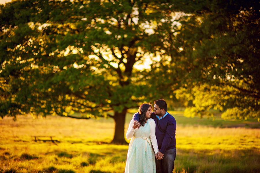 Richmond-Park-London-Wedding-Photographer-Benjamin-and-Sarah-Sunset-Engagement-Session-Photography-By-Vicki016