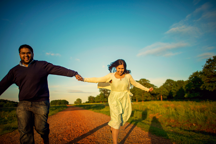 Richmond-Park-London-Wedding-Photographer-Benjamin-and-Sarah-Sunset-Engagement-Session-Photography-By-Vicki017