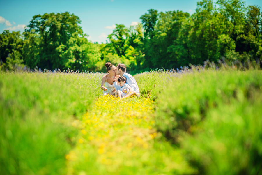 Mayfield-Lavender-Field-Surrey-Wedding-Photography-Andrew-and-Maria-Engagement-Session-Photography-By-Vicki006