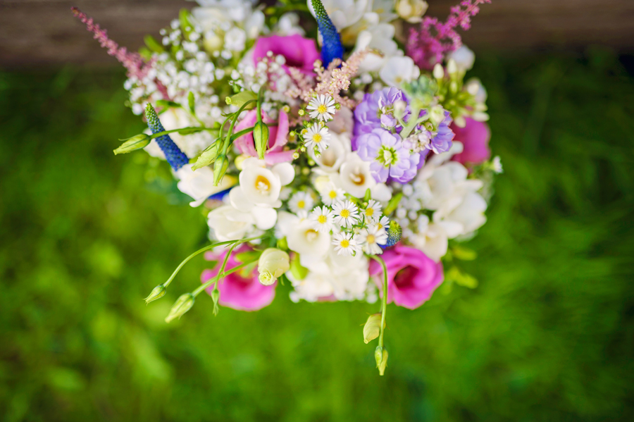 Hillfields-Farm-Berkshire-Wedding-Photographer-Peter-and-Jo-Photography-By-Vicki004