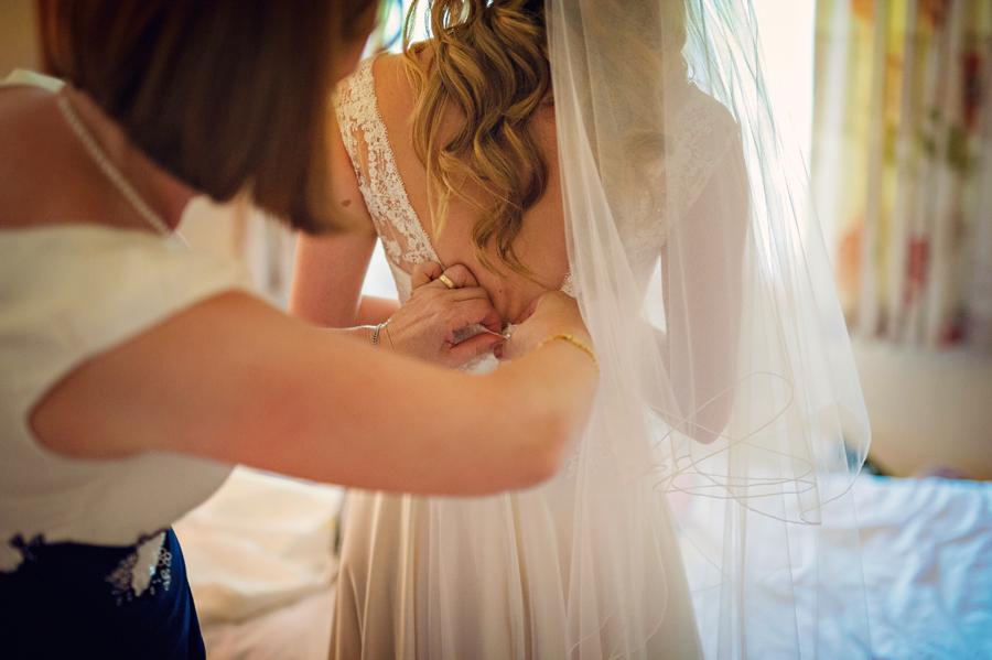 Hillfields-Farm-Berkshire-Wedding-Photographer-Peter-and-Jo-Photography-By-Vicki019