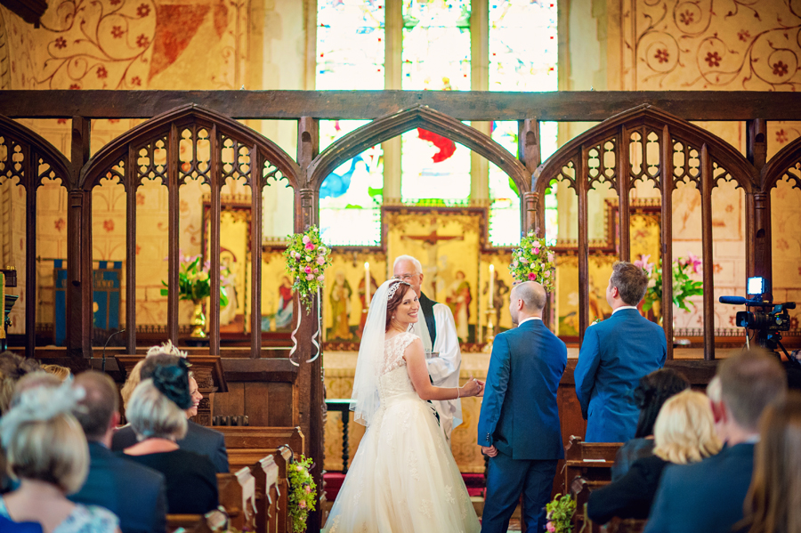 Ufton-Bourt-Berkshire-Wedding-Photographer-Michael-and-Melissa-Photography-By-Vicki016