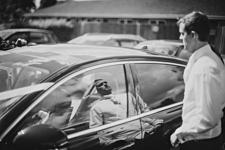 Upwaltham-Barns-Hampshire-Wedding-Photographer-Matt-and-Lyndsay-Photography-By-Vicki011