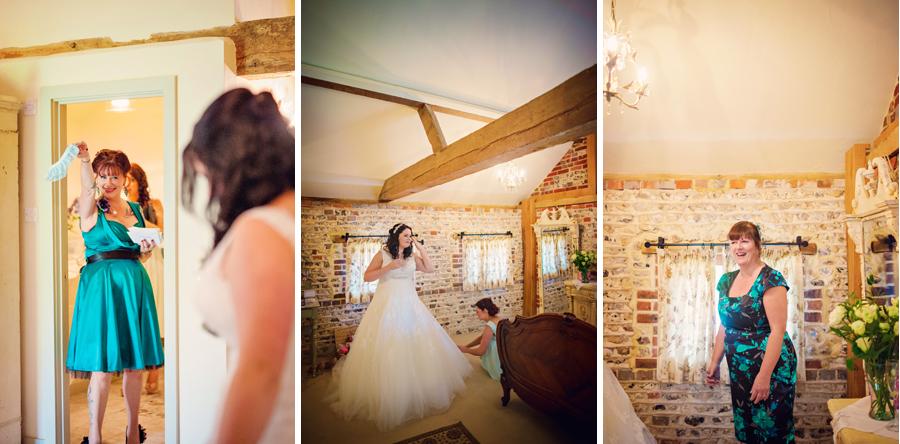Upwaltham-Barns-Hampshire-Wedding-Photographer-Matt-and-Lyndsay-Photography-By-Vicki015